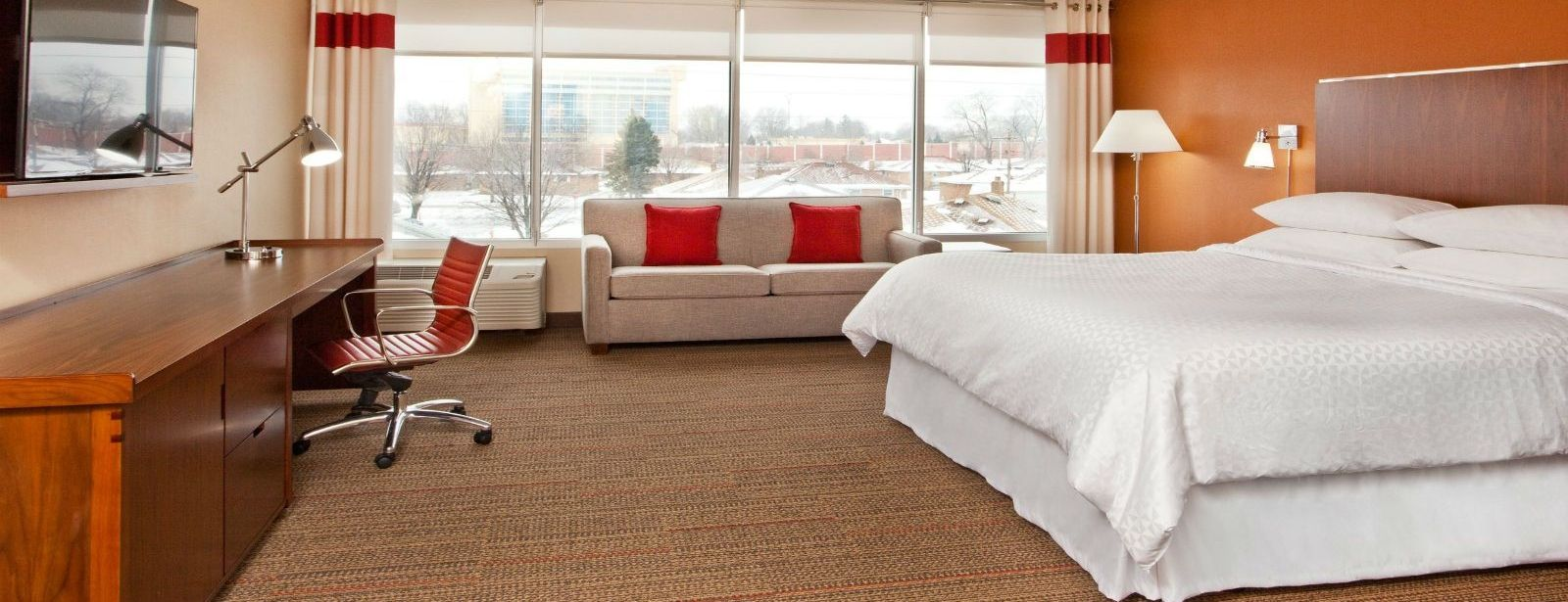 Cleveland Airport Accommodations - Deluxe King Room
